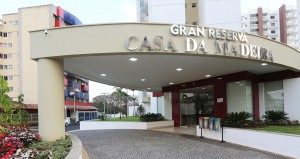 Hospedagem para o Carnaval em Caldas Novas no Gran Reserva Casa da Madeira